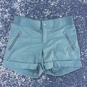 Athlete Women's Sz 6 Trekkie Olive Green Shorts